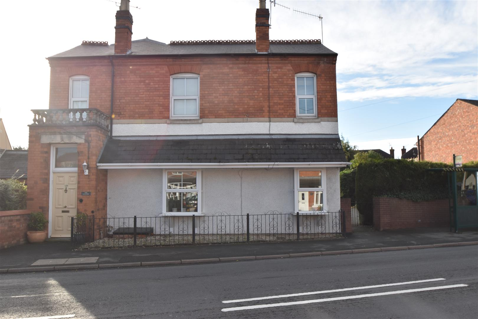 2 Bedrooms Flat for sale in Berkley Gardens, Fernhill Heath, Worcester